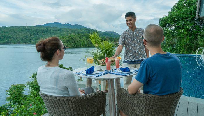 cliffside-suite-breakfast
