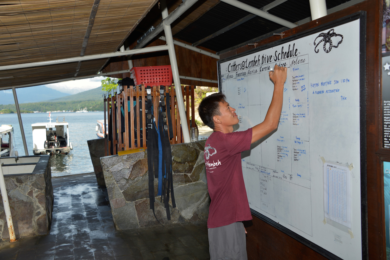 critters@Lembeh Resort, dive locker area, dive boat, dive guide, dive briefing, dive schedule