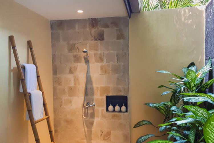 tropical bathroom lembeh