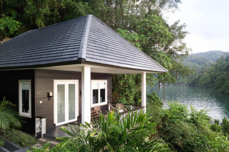 luxury cottage lembeh resort