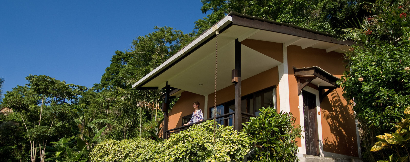 Lembeh Resort Luxury Cottage Cliffside