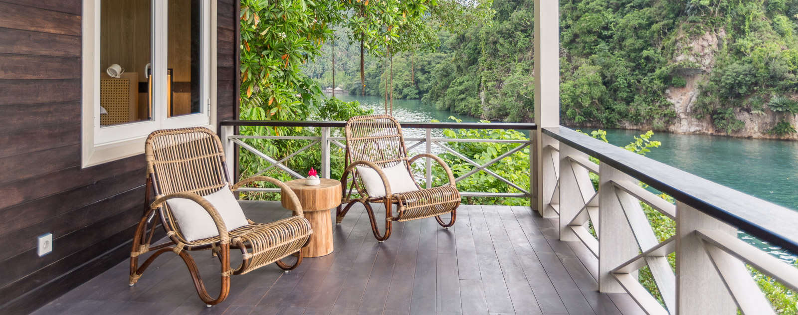 Lembeh Resort Luxury Cottage Veranda