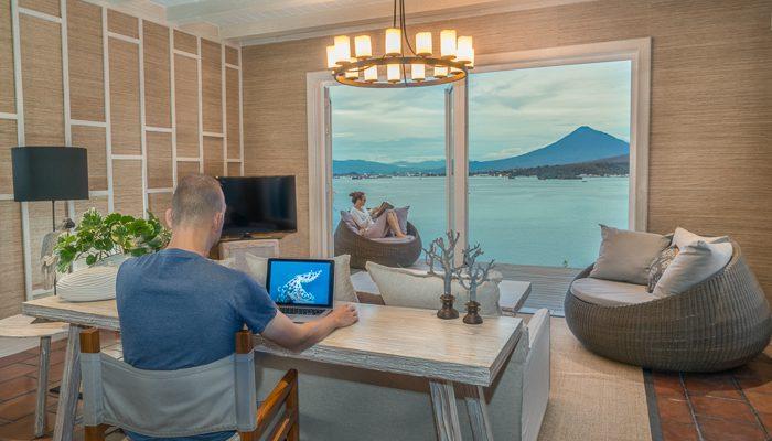 lounge-cliffside-suite