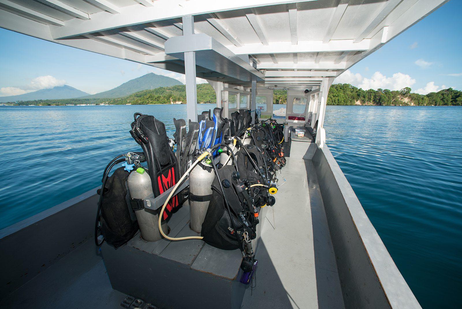 Lembeh Resort dive boat