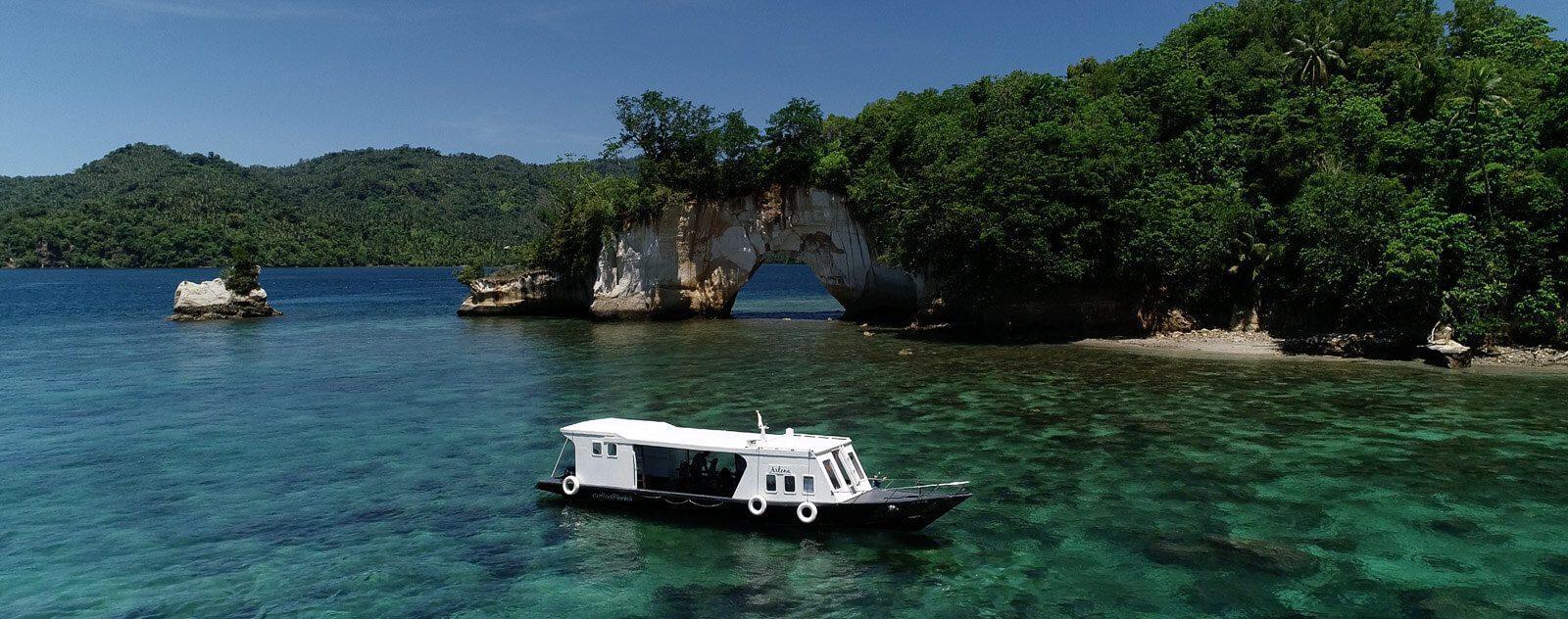 Snorkeling boat in Lembeh Strait