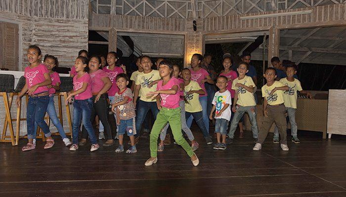 workshop-day-7-kids-singing